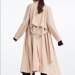 Zara flowing trench coat 🧥